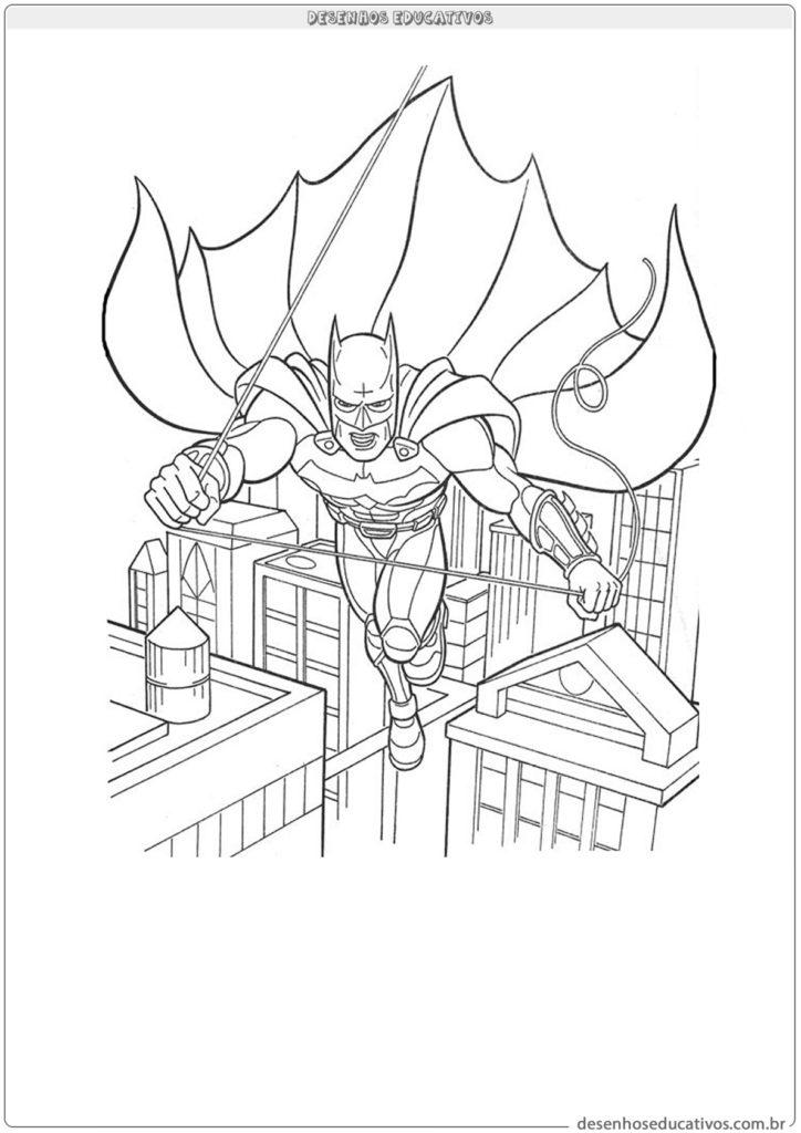 Desenhos para colorir Batman voando pela cidade