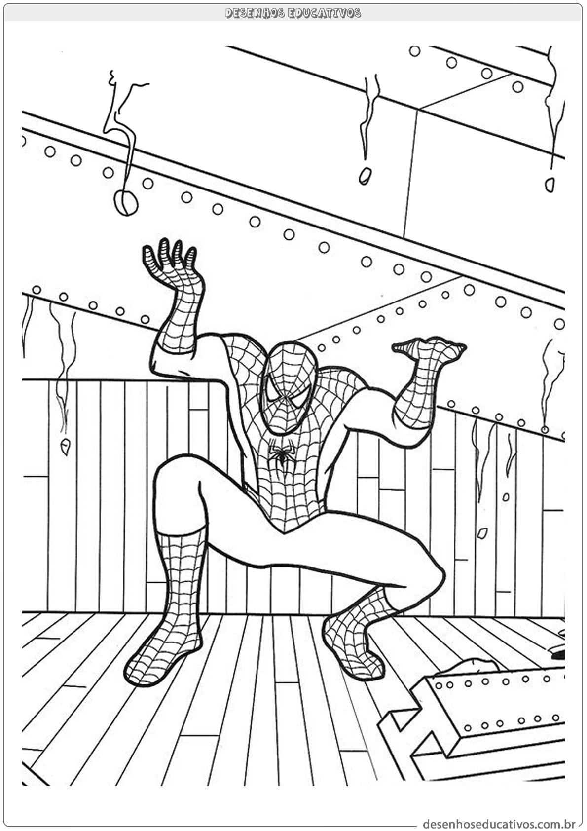 Homem aranha segurando peso