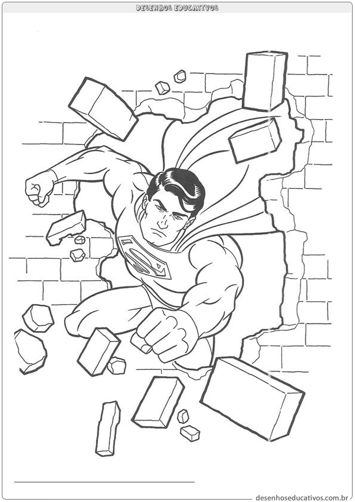 Superman quebrando uma parede